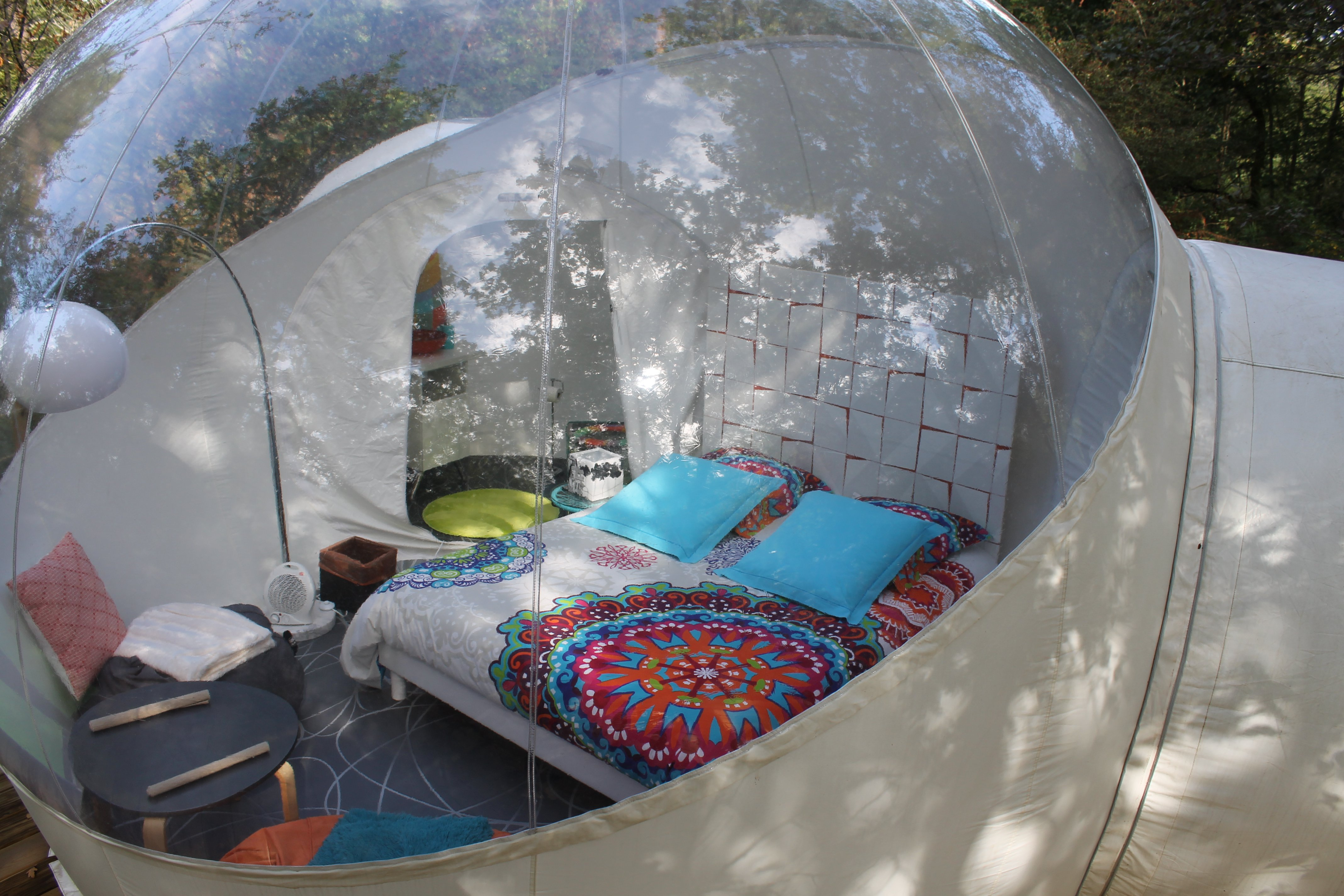 nuit insolite bulle normandie nuit dans une bulle insolite normandie la bulle toil e la bulle. Black Bedroom Furniture Sets. Home Design Ideas